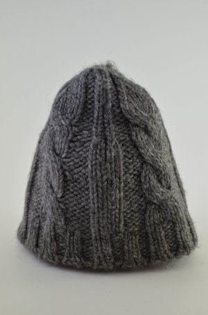 Closed Knitted Hat dark grey