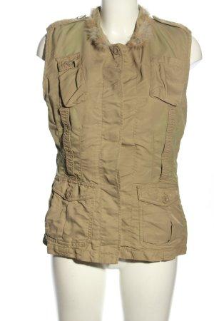 Closed Fur vest khaki casual look