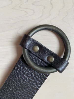 Closed Leather Belt dark brown