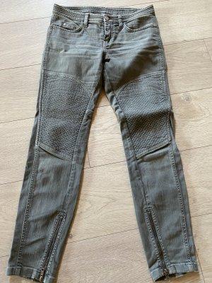 CLOSED Jeans Grösse 25/30 mit Reissverschluss am Bein