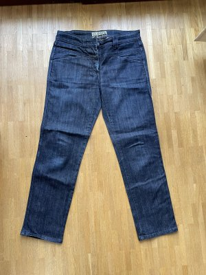 Closed Jeans Pedal Position