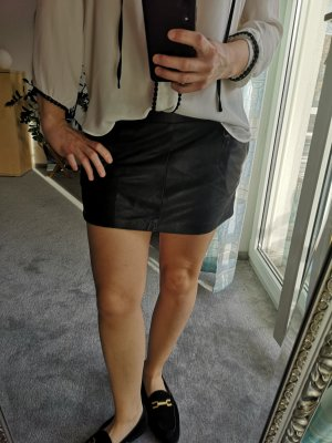 Closed Leather Skirt black