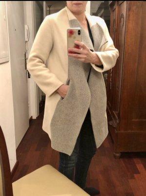 Closed Mantel wollweiß-grau
