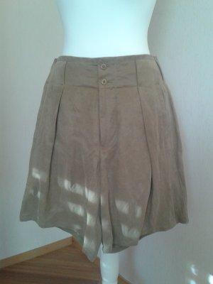 Closed Shorts khaki NEU edler Stoff