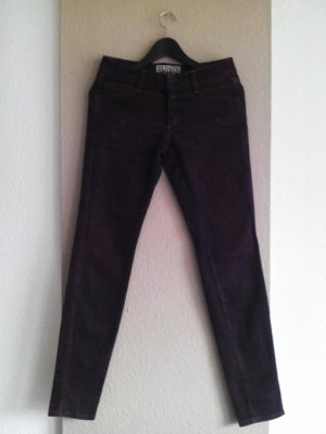 Closed Skinny Jeans in Burgunderrot, Made in Italy, Größe INCH 28