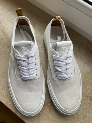 Closed sneaker Gr. 38