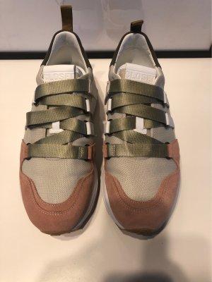 Closed Sneaker Gr. 39
