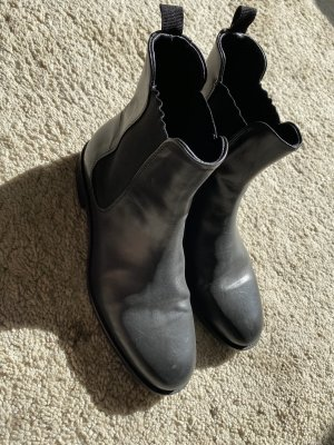 Closed Stiefelette NP:300€