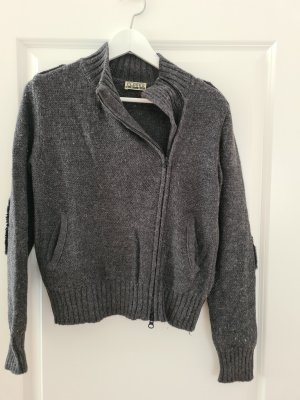 Closed Strickjacke