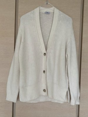 Closed Woolen Pulli