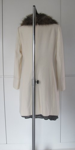 Club Monaco Cappotto in eco pelliccia bianco sporco