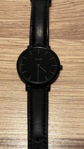 Cluse Armbanduhr schwar mit schwarzem Lederband