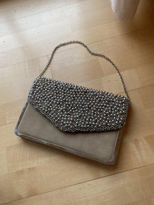 Clutch mit Perlen