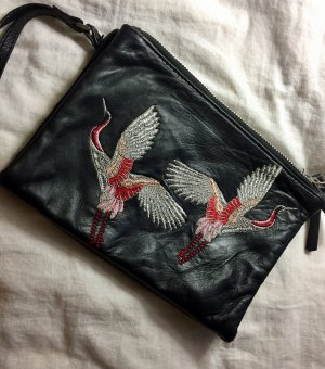 Clutch mit Stickerei