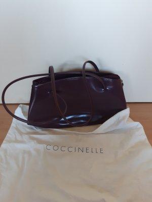 Coccinelle Handtasche im Brombeerrot-Ton