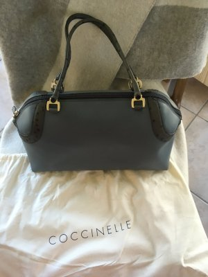Coccinelle tolle Trendfarbe 2021 Grau