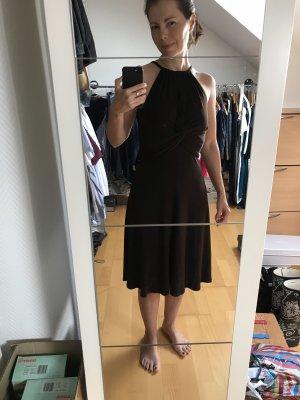 Cocktail Kleid aus fliesendem Stoff