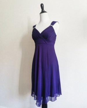 EnFocus Studio Szyfonowa sukienka ciemny fiolet-niebiesko-fioletowy