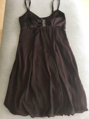 Mötivi Sukienka z rękawem balonowym ciemnobrązowy