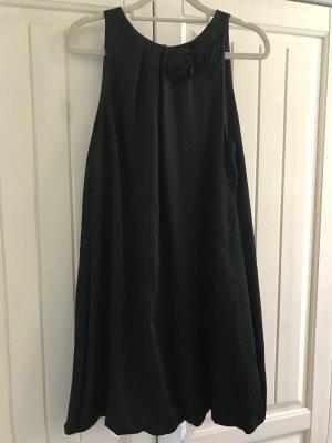 Cocktailkleid schwarz, Gr. M von Rinascimento, ungetragen ohne Etikett