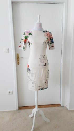 Cocktailkleid von Zara sehr figurbetont mit Zipp am Rücken