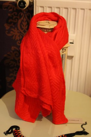 Codello Knitted Scarf red polyacrylic