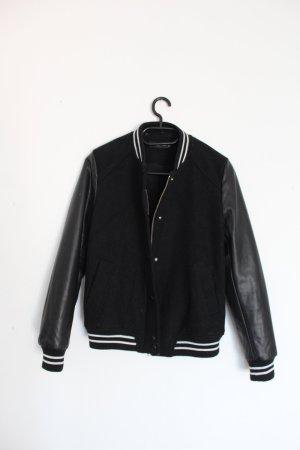 Zara Chaqueta estilo universitario negro-blanco