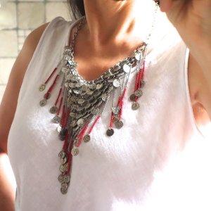 Collar estilo collier rojo-color plata metal
