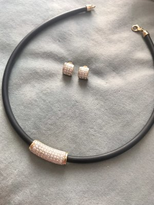 Collier und Ohrringe