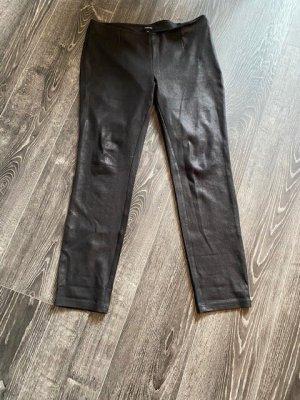 Comma Pantalón de efecto piel negro