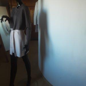 Comma Manteau en tricot gris foncé-rose chair