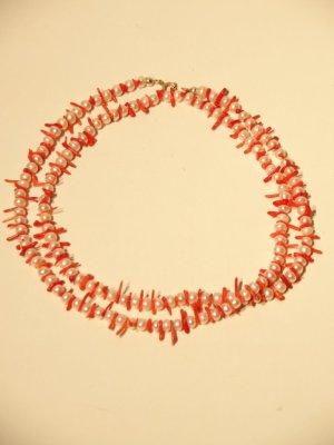 Collana di perle crema-salmone