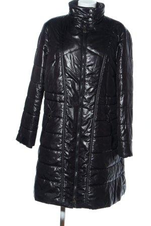 Conceptuk Abrigo acolchado negro estampado acolchado look casual