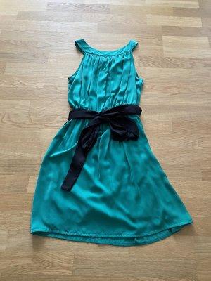 Conley's Kleid mit Gürtel/ Schleife