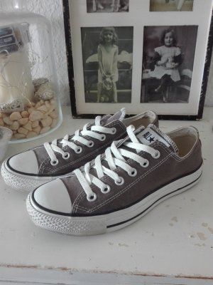 Converse Lace-Up Sneaker white-grey