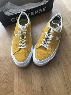 Converse Lace-Up Sneaker dark yellow leather
