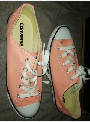 Converse Lace-Up Sneaker apricot