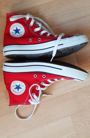 Converse High Top Sneaker red