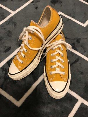 Converse Lace-Up Sneaker light orange