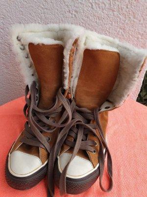 Converse Chuck Taylor All Star Wildleder Farbe Cognac mit weißem Fell Neu !!