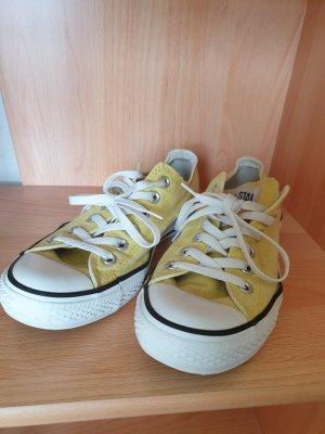 Converse in gelb