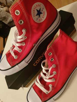 Converse Lace-Up Sneaker white-red
