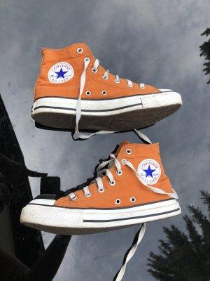 Converse Lace-Up Sneaker orange