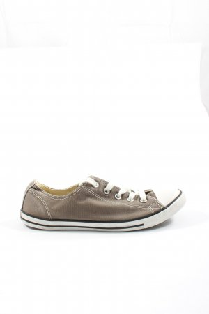 Converse Lace-Up Sneaker brown casual look