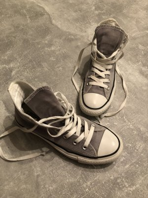 Converse Sneakers in mittelgrau Gr 37. KP 89€