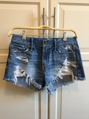coole, besondere Jeansshorts