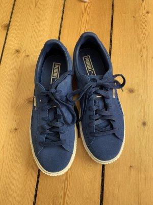 Coole blaue Puma-Sneaker