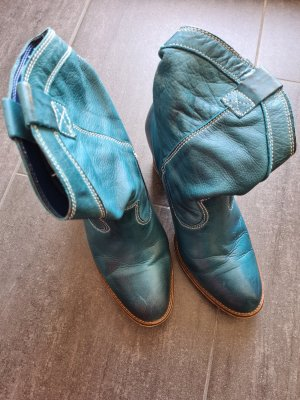 Coole blaue Stiefel