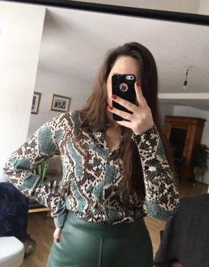 Coole Bluse mit Schlangenprint