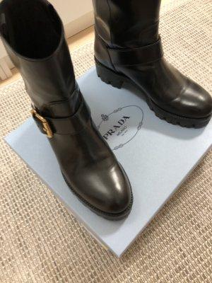coole Boots mit Schnalle Prada